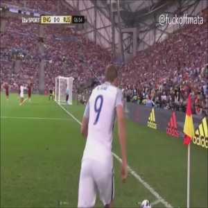 Harry Kane Euro 2016 set-piece compilation