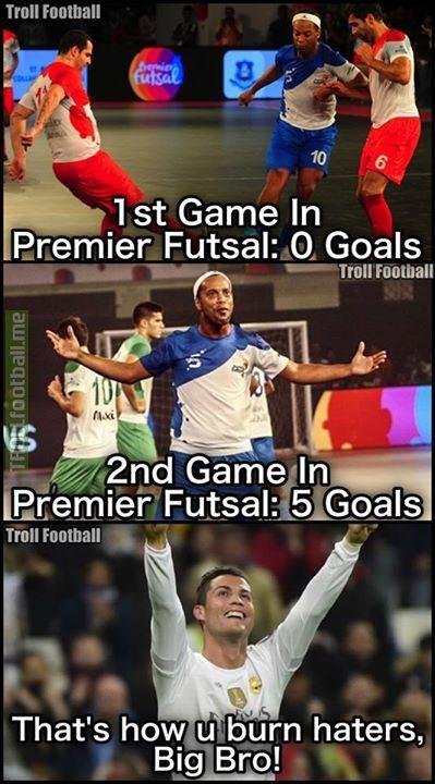 Simply Ronaldinho 👏