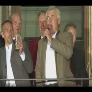 Ancelotti bursts into song at Bayern celebration (corrected title)