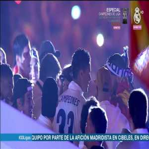 "Real Madrid players scream out ""Pique, bastard, hail the champion"" during league celebration"