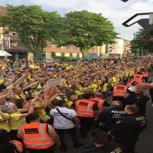 250.000 - 300.000 People celebrate the DFB Cup victory in Dortmund with the Club.