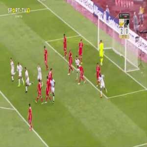 Bongani Zungu (Guimaraes) goal against Benfica (2-1)