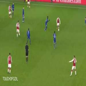 Özil's shoulder flick pass VS Chelsea
