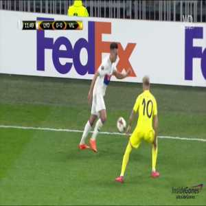 Blatant red card foul not punished in yesterday Lyon vs Villareal clash