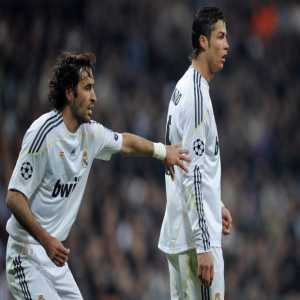 Cristiano scores and equals Raul's record of scoring in 264 matches (most in Real Madrid's history).