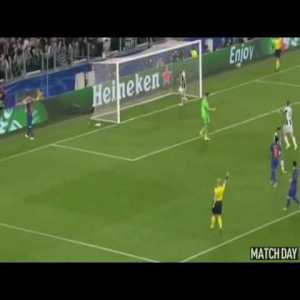 Messi's amazing nutmeg pass to Iniesta against Juventus | Buffon's save |UCL 16-17