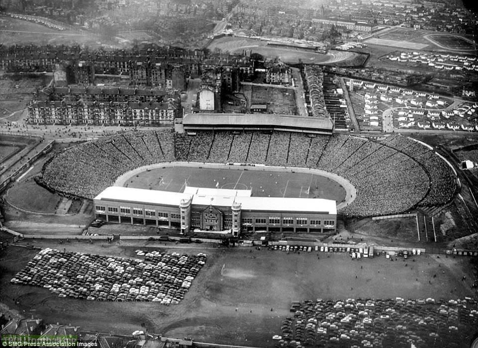 Scotland vs England 1954 at Hampden Park. Attendance 134,544.