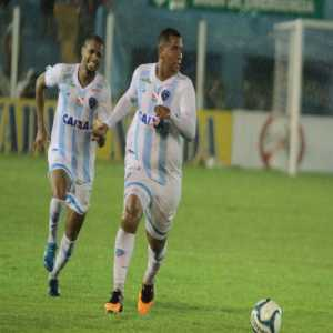 Ex-FC Porto striker Walter a bit overweight on his debut for Paysandu