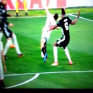 Video - Penalty/Dive incident at end of Sevilla vs Man Utd