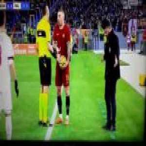Gattuso harassing Kolarov on the touchline in Roma -Milan