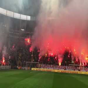 Nagatomo shares the atmosphere at Galatasaray's open training session before their derby with Fenerbahce this weekend