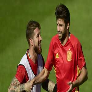 """Gerard Pique: """"Earlier this season, when we were already 9 points clear of Real in the league, I started a special WhatsApp group chat for the Spanish Real & Barca players. All we do is talk shit to one another about Barca and Real! It's the best. We're just like little kids.''"""
