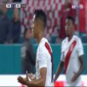 Yoshimar Yotun (Peru) second yellow card against Croatia