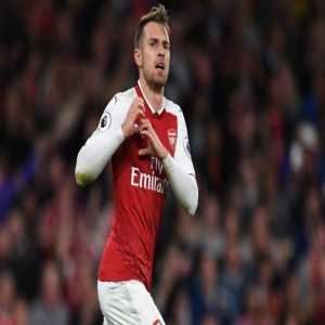 There are 2 central mids to have 50+ goals for Arsenal in their entire history. One is Aaron Ramsey, the other is Fabregas. Ramsey needs 3 more goals to beat Fabregas who has 57 as the club's highest scoring CM ever.