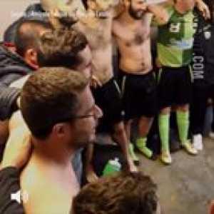 AL Poey-de-Lescar's song (France). Sunday League at its finest.