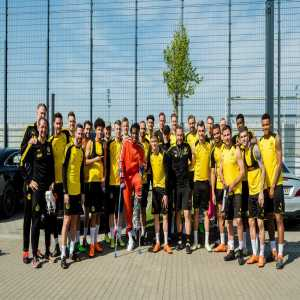 Nothing but LOVE for all of you guys 🖤💛 wishing you the best for the final games 💪🏾 #EchteLiebe @BVB (Batshuayi via Twitter)