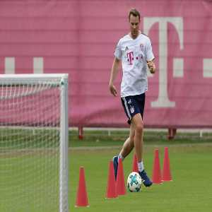 Manuel Neuer will partially take part in team training today!