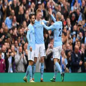"""""""Manchester City attempted 1015 passes against Swansea (942 completed), becoming the first team to attempt 1000+ in a Premier League game (since 2003/04)."""" - Opta"""