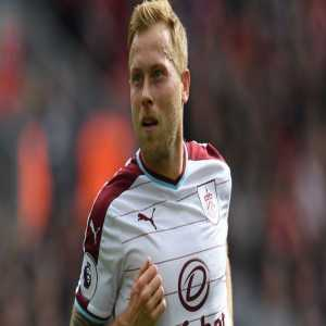 Scott Arfield has passed a medical at Rangers after agreeing a four-year contract to leave Burnley