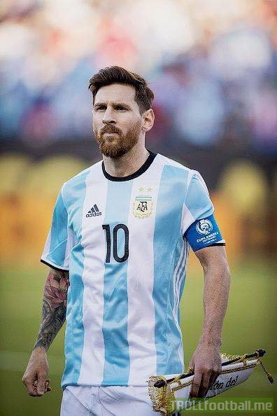 ❗Argentina's Russia 2018 World Cup qualifiers:  Look at these crazy stats, absurd to think that some say Messi is bad in the national team. Messi carries that team completely. Argentina is totally = Messi.  Messi in the qualifiers: 10 Games 7 Goals 3 Assists  Aguero in the qualifiers: 7 Games 0 Goals 0 Assists  Dybala in the qualifiers: 8 Games 0 Goals 0 Assists  Icardi in the qualifiers: 3 Games 0 Goals 0 Assists  Higuain in the qualifiers: 9 Games 1 Goal 1 Assist