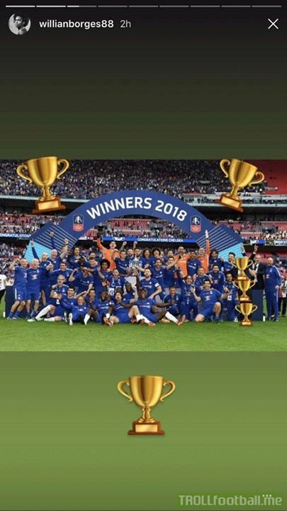 Look who Willian blocked out of this picture with emojis after being dropped for the FA Cup final 😂😂