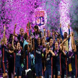 After Real Madrid's win tonight, the same teams have won 3 consecutive Champions League titles in both the Men and Women's (OL Féminin) competitions