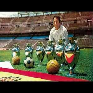 Messi + Iniesta + Bale + Ronaldo = Paco Gento