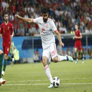 """Diego Costa: """"De Gea is a goal keeper. For a failure like today's we will not doubt him. A family is that way, you have to trust and support yourself. I was bad yesterday and today I can be a little better. Football is like that."""""""