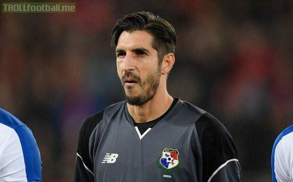 When did Buffon's younger brother start playing for Panama?