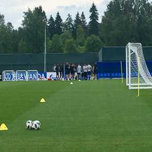 David Ornstein: England return to training after #TUN win - only subs (playing & non-playing) involved, rest recovering at hotel. Dele Alli gone for scan on thigh problem but was walking fine this morning. Tomorrow the only complete day off for players & staff at this #WorldCup #ENG #ThreeLions