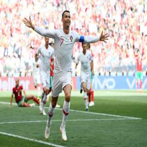 Cristiano Ronaldo overtakes Ferenc Puskás as the highest ranked European with 85 international goals, second only to Ali Daei of Iran (109 goals)