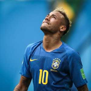 Neymar: Not everyone knows what I've gone through to get here. The cry was of joy, overcoming. In my life things have never been easy, would not be now, right? The dream continues, dream no, objective! Congratulations on the match guys.""