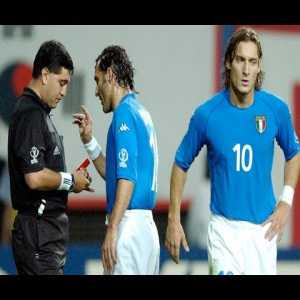 Throwback at one of the biggest scandals in FIFA WC History, when Italy got robbed by Moreno in South Korea-Italy (2002)