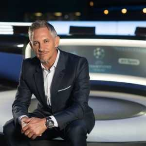 """Gary Lineker on Raheem Sterling: """"One of our most important players. The energy, the movement, the work rate, the skill. Couldn't afford to lose him. Player's player."""""""