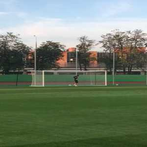 Mario Mandzukic practicing his new position on Wednesday