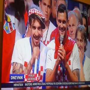 Lovren and Vrsaljko leading the chants in Croatia