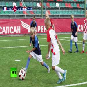 Russian kids re-enact the 2018 World Cup final