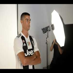 Full Recap/Highlights of Cristiano Ronaldo's First Day at Juventus | from Official YouTube Channel