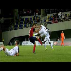 Horrible drop kick challenge from Bryan Melisse from last nights CL qualification.