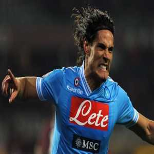 Napoli have reportedly agreed terms with Edinson Cavani on a four-year contract worth €7.5 million a year, according to @paolodelgenio9 of @tuttonapoli
