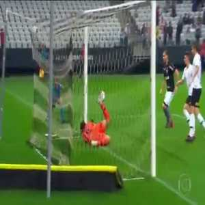 One of the best saves of the season by Cássio.