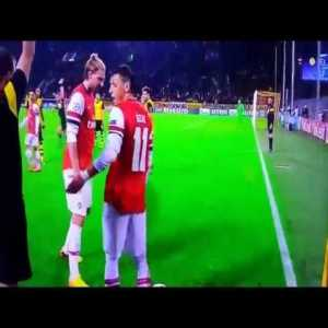 Throwback- The most beautiful Offside ever (Arsenal-Dortmund 2014)