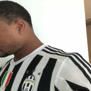 Patrice Evra belts out Bocelli in Ronaldo welcome video