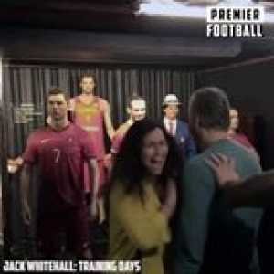 Gareth Bale pranking fans at a Wax Musuem 👏🏼😂  Jack Whitehall