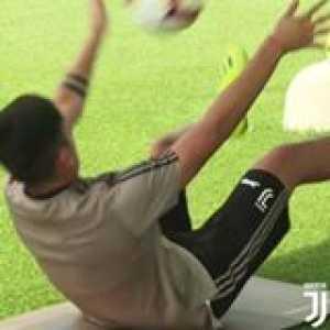 Meet Ronaldo's new training partner… Paulo Dybala 🔥  🎥: Juventus