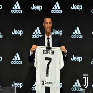 """Cristiano Ronaldo, """"Juve is a different club, like a family. They are different all people, very cordial """""""