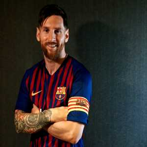 Lionel Messi becomes the play who has won the most trophies in the history of FC Barcelona. Supercopa de España was his 33rd Title with the club.