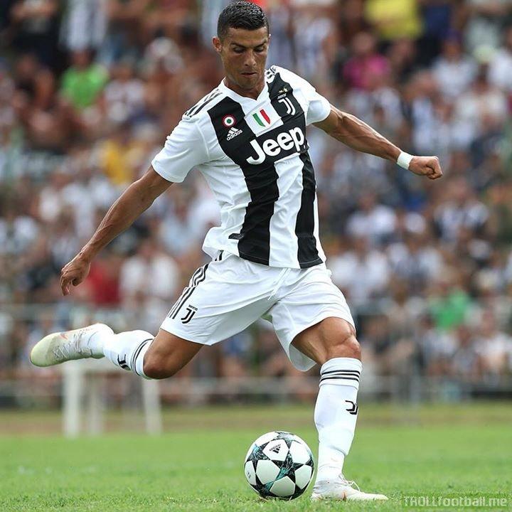 Cristiano Ronaldo's debut for Juventus:  Goal ✅ MOTM ✅ 5-0 win ✅   Not a bad start to his Juve career 👏