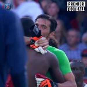 21 years after playing with Lillian Thuram for Parma, Gianluigi Buffon played against his son Marcus Thuram for PSG - Paris Saint-Germain 😳  Of course they swapped shirts... ❤️