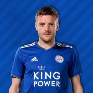 "Jamie Vardy in Twitter: ""That's my slab head 👊🏼🙌🏼 @HarryMaguire93"""